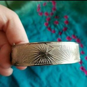 Vintage botanical etched bracelet clamper hinged